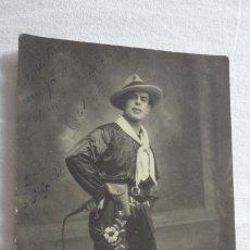 Fotografía antigua: ANTIGUA FOTOGRAFIA.ACTOR? ESPECTACULOS? C.DE HOSTOS.FOTO ARENAS.MALAGA 1932 DEDICADA.FIRMADA. Lote 175942853
