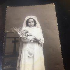 Fotografía antigua: PRECIOSA FOTOGRAFIA TARJETA POSTAL- NIÑA VESTIDA DE COMUNION DE ESTUDIO NOVOA - SEVILLA. Lote 178084395