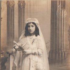 Fotografía antigua: L. SANCHEZ, VALENCIA MAGNÍFICA FOTO TARJETA POSTAL. NIÑA DE COMUNIÓN 10-20S AA. Lote 178342837