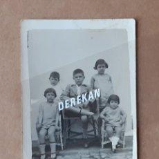 Fotografía antigua: ANTIGUA FOTOGRAFÍA TARJETA POSTAL NIÑOS. MÁLAGA. 1929.. Lote 180022315