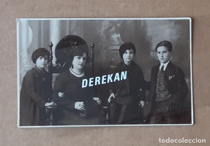 ANTIGUA FOTOGRAFÍA TARJETA POSTAL GRUPO FAMILIA. CASA GARCÍA BOLDÚN. VALENCIA. AÑOS 20? (Fotografía Antigua - Tarjeta Postal)