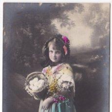 Fotografía antigua: ANTIGUA FOTOGRAFIA POSTAL - NIÑA CON CESTA DE HUEVOS Y FLORES - GL 3829/4. Lote 180168898