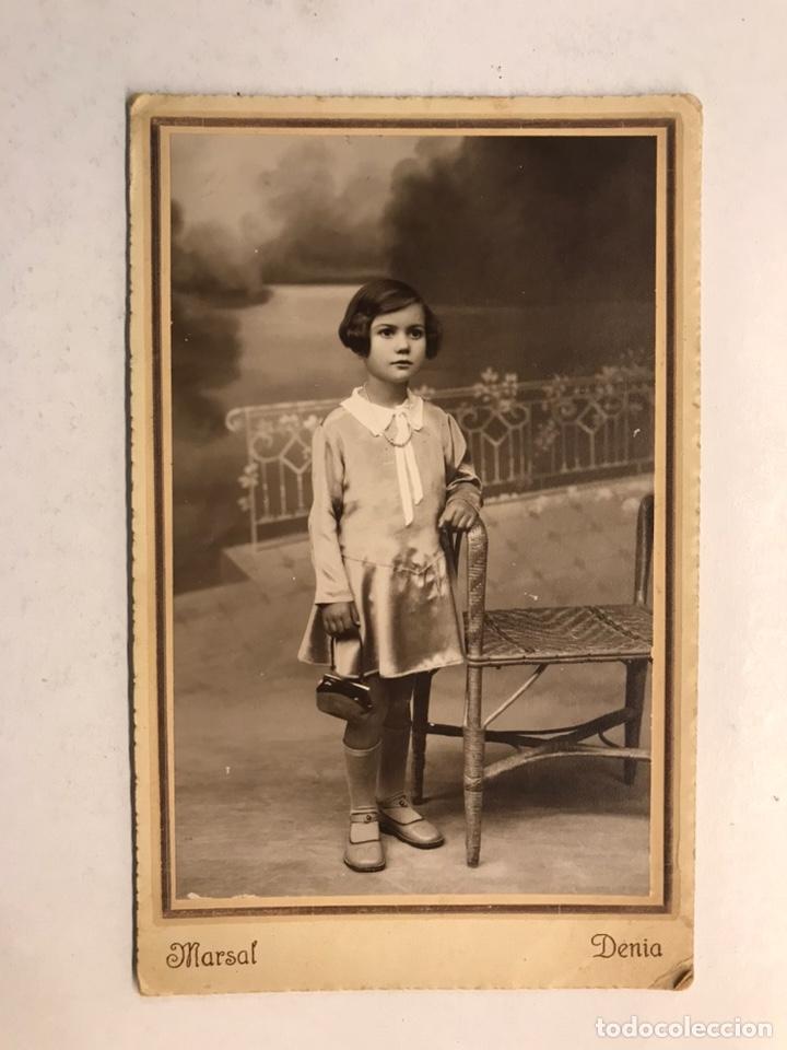 DENIA (ALICANTE) FOTOGRAFÍA RETRATO: NIÑA VESTIDA DE DOMINGO... AUTOR: MARSAL (H.1920?) (Fotografía Antigua - Tarjeta Postal)