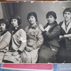 Fotografía antigua: ANTIGUA FOTOGRAFIA SOLO MUJERES. Lote 191727395