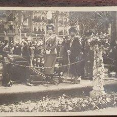 Fotografía antigua: ANTIGUA FOTO POSTAL. VISITA DE ALFONSO XIII Y VICTORIA-EUGENIA. VALLADOLID. 5-MAYO-1921. PATRICIO CA. Lote 191781446