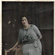 Fotografía antigua: FOTOGRAFÍA COLOREADA DE UNA MUJER - FOTÓGRAFO SANCHÍS - ALCOY (ALICANTE). Lote 194229907