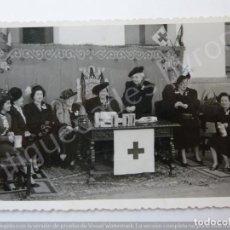 Fotografía antigua: FOTOGRAFÍA ANTIGUA. DÍA DE LA BANDERITA. CRUZ ROJA. FOTÓGRAFO GARCÍA CORTÉS. TETUÁN (13,5 X 8,5 CM). Lote 194783615