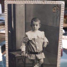 Fotografía antigua: ANTIGUA FOTOGRAFIA NIÑO GROLLO VALENCIA. Lote 195113295