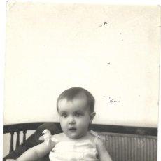 Fotografía antigua: FOTOGRAFÍA ANTIGUA DE UN BEBÉ - FOTOGRAFÍA DE MODA (PALENCIA) FECHA AGOSTO 1927. Lote 204652531