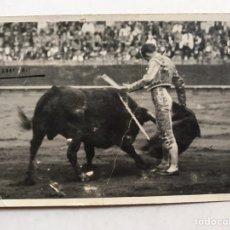 Fotografía antigua: VICTORIANO DE LA SERNA, MATADOR DE TOROS.., FOTOGRAFÍA ORIGINAL (H.1940?). Lote 207114622