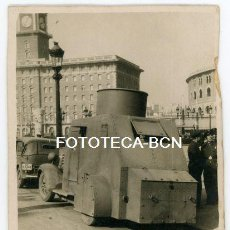 Fotografia antica: FOTO ORIGINAL BARCELONA PL ESPAÑA BLINDADO BILBAO CAMION DODGE GUARDIA DE ASALTO AÑOS 30. Lote 208818470