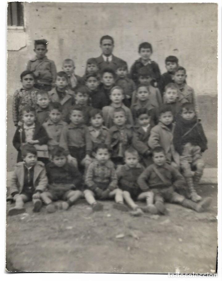 GRUPO ESCOLAR DE VILLANUEVA DEL HUERVA (ZARAGOZA) DEL 9 ENERO 1945 - TAMAÑO 6 X 8 CM (Fotografía Antigua - Tarjeta Postal)