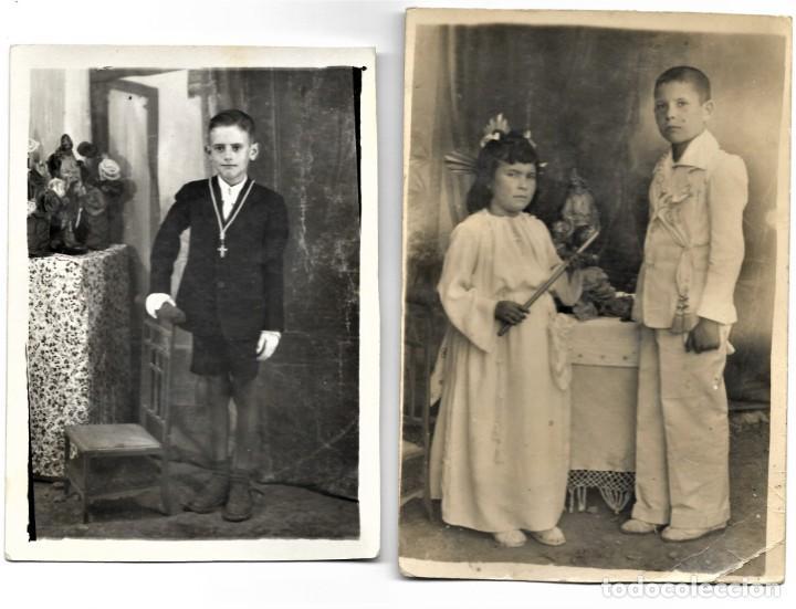 LOTE DOS FOTOGRAFÍAS ANTIGUAS NIÑOS DE COMUNIÓN (Fotografía Antigua - Tarjeta Postal)