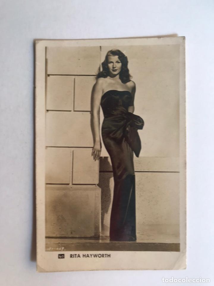 RITA HAYWORTH, CINE. ACTRIZ ESTADOUNIDENSE NO.60... (H.1950?) (Fotografía Antigua - Tarjeta Postal)