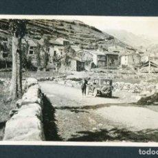 Fotografía antigua: ULL DE TER. GIRONA. PUEBLO. CABALLLERO Y COCHE. 1924. Lote 211812810