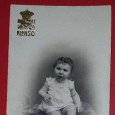 Fotografía antigua: TARJETA POSTAL. ANTIGUA FOTOGRAFÍA DE UNA BEBÉ. PHOTO ART ALONSO.. Lote 218619453