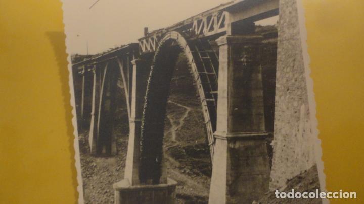 Fotografía antigua: ANTIGUA FOTOGRAFIA.PUENTE DE HIERRO EN CONSTRUCCION.MALAGA. - Foto 2 - 221612645