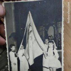 Fotografía antigua: FOTOGRAFÍA ANTIGUA NIÑOS BANDERA VALENCIA. PAPEL-89. Lote 236511235