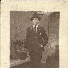 Fotografía antigua: FOTOGRAFÍA SEÑOR AÑOS 20. POSADA BAR CANALETAS. BARAT HERMANOS. TARRASA. TERRASSA.. Lote 240492515