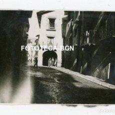 Fotografía antigua: FOTO ORIGINAL LA SEU D'URGELL CALLE DE LA POBLACION AÑOS 40. Lote 245170580