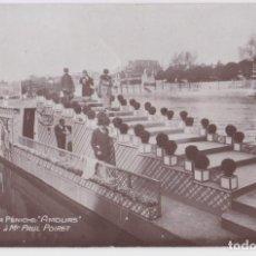 Fotografia antica: ANTIGUA FOTO / POSTAL, PAUL POIRET EN EL PUENTE DE LA BARCAZA AMOURS (1925) – EXPOSICIÓN DE ARTES. Lote 248474440