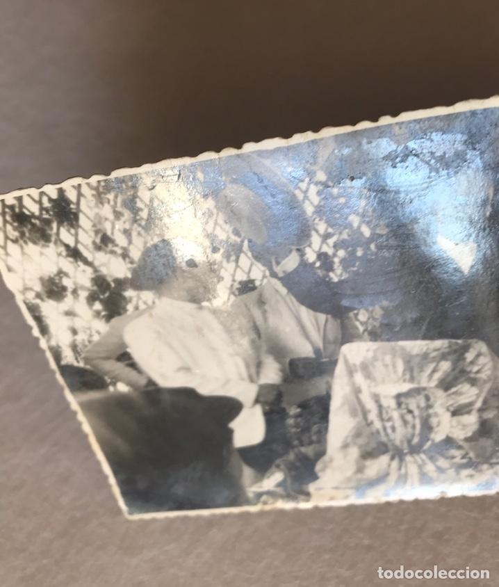 Fotografía antigua: ANTIGUA FOTOGRAFÍA FOTOPOSTAL - FERIA DE ABRIL SEVILLA - CASETA CRUZ BORGOÑA - ESVÁSTICA NAZI - Foto 7 - 254258150