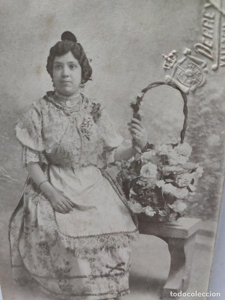 FOTOGRAFÍA TARJETA POSTAL DERREY VALENCIA-FALLERA- SELLADA EN SECO (Fotografía Antigua - Tarjeta Postal)