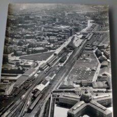 Fotografía antigua: FOTOGRAFÍA AÉREA DE OVIEDO. PRINCIPIOS DE LOS '60. Lote 268920749