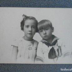 Fotografía antigua: FOTOGRAFIA ANTIGUA NIÑOS DE COMUNIÓN TAMAÑO POSTAL FIRMADA FOTOGRAFO. Lote 268958794