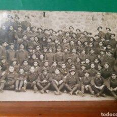Fotografía antigua: ANTIGUA FOTOGRAFÍA TIPO POSTAL DE UNA COMPAÑÍA DE SOLDADOS ESPAÑOLES A IDENTIFICAR VER FOTOS. Lote 269055383