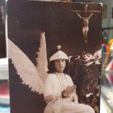 Fotografía antigua: ANTIGUA FOTOGRAFIA RELIGIOSA COMUNION ALAS DE ANGEL FOTO MATEO MURCIA 1927. Lote 269108513