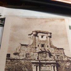 Fotografia antica: FOTO DE POSTAL DE LA UNICA ENTRADA QUE HABIA PARA ENTRAR EN CADIZ (LAS PUERTAS DE TIERRA). Lote 273020283