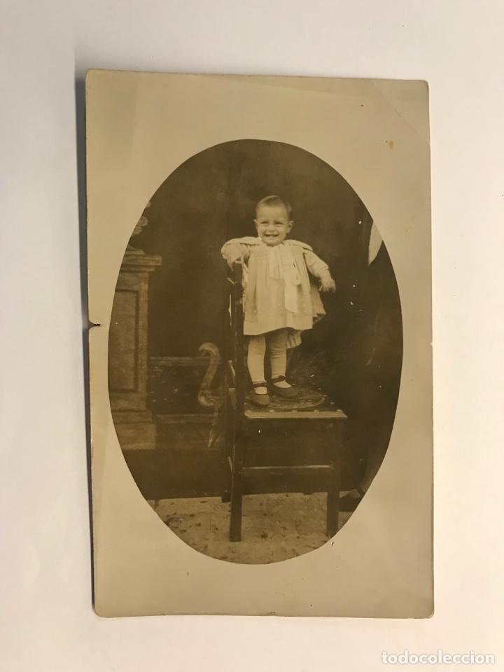 POLA DE ALLANDE (ASTÚRIAS) FOTOGRAFIA DE UNA PEQUEÑA… (A.1929) MEDÍDAS: 14 X 9 CM., (Fotografía Antigua - Tarjeta Postal)