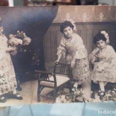Fotografía antigua: ANTIGUA FOTOGRAFIA NIÑAS TRAJE REGIONAL ALICANTINA ALICANTE. Lote 277706938