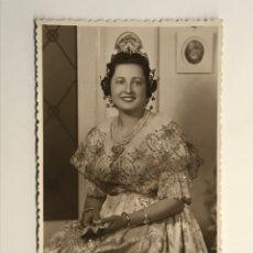 Fotografia antica: FALLAS VALENCIA. FOTOGRAFÍA DE ESTUDIO. FALLERA, FOTÓGRAFO SAUL, (H.1950?). Lote 286609098