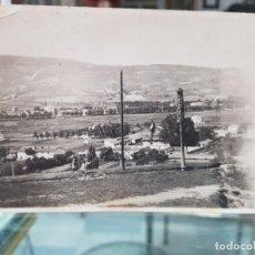 Fotografía antigua: ANTIGUA FOTOGRAFIA NIÑOS CON MUÑECO COLGANDO FIESTAS POPULARES SIN IDENTIFICAR RARA. Lote 287881873