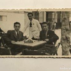 Fotografía antigua: ALICANTE, FOTOGRAFÍA.. AQUELLOS BARES QUE ALEGRABAN LA CIUDAD.. IMÁGENES DE POSTGUERRA (A.1944). Lote 288231003