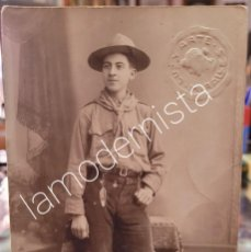 Fotografía antigua: ANTIGUA FOTOGRAFIA TARJETA POSTAL EXPLORADOR BOY SCOUT MIRALLES MURCIA. Lote 295908808