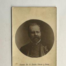 Fotografía antigua: FOTOGRAFÍA DON EMILIO ORTUÑO Y BERTE, DIRECTOR GENERAL DE CORREOS Y TELEGRAFOS (A.1908). Lote 296762663