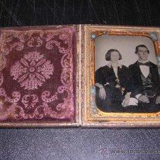 Fotografía antigua: ESTUCHE DE PIEL FERROTIPO.2 FIGURAS.-12X10 CM.. Lote 18679455