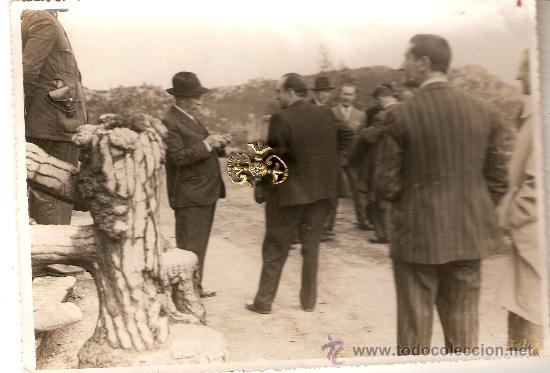 DIPUTADO PROVINCIAL EN MONTE ALOYA TOMA NOTAS. HACIA 1930. PERSONAJES DE TUY Y GUARDIA C.ENVÍO PAGAD (Fotografía Antigua - Ambrotipos, Daguerrotipos y Ferrotipos)