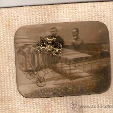 Fotografía antigua: PONTEVEDRA. FERIA PEREGRINA.VIAJE EN AVIONETA.JOVENES AVIADORES. SOBRE 1926.ENVIO PAGADO.VER DETALLE. Lote 32576972