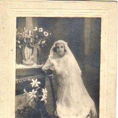 Fotografía antigua: FOTO DE ESTUDIO NIÑA PRIMERA COMUNIÓN**J. CANALIAS**SAN BAUDILIO DEL LLOBREGAT. Lote 40959543