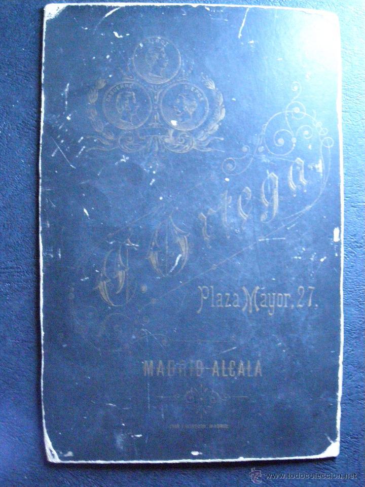 Fotografía antigua: Muy antigua y bonita fotografía - Sobre cartón grueso rígido - - Foto 2 - 41089439
