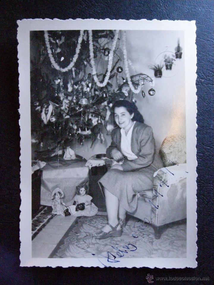 ANTIGUA FOTOGRAFÍA - NAVIDAD 1948 - JUNTO REGALOS Y ARBOL DE NAVIDAD - (Fotografía Antigua - Ambrotipos, Daguerrotipos y Ferrotipos)