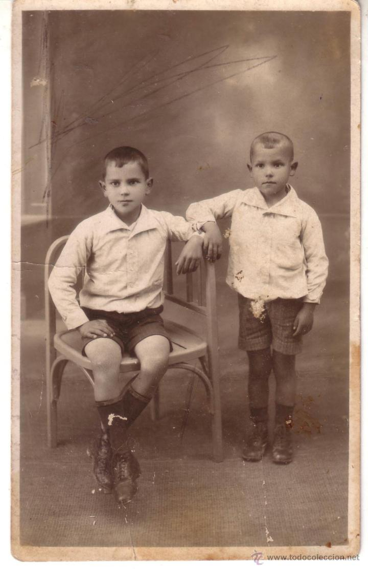 FOTO 7 - FOTO NIÑOS - UNO SENTGADO (Fotografía Antigua - Ambrotipos, Daguerrotipos y Ferrotipos)