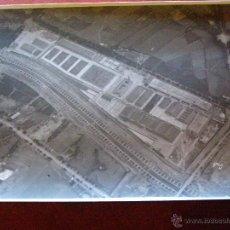 Fotografía antigua: ANTIGUA FOTOGRAFIA AEREA - NUEVOS MATADEROS - MADRID LEGAZPI - AÑOS 1923-24 - 11 X 17 CM.. Lote 41719445