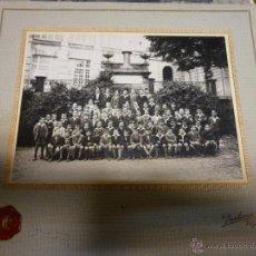 Fotografía antigua: FOTOGRAFIA DE GRUPO ESCOLAR DE NIÑOS, FOTOGRAFIA PACHECO DE VIGO, EN CARTON RIGIDO DE 24 X 22 CM.. Lote 47374515