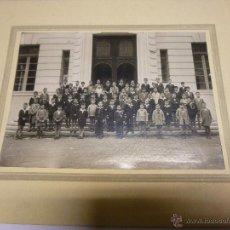Fotografía antigua: FOTOGRAFIA DE GRUPO ESCOLAR DE NIÑOS, FOTOGRAFIA PACHECO DE VIGO, EN CARTON RIGIDO DE 26 X 20 CM.. Lote 47374933