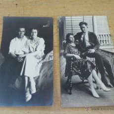 Fotografía antigua: 2 BONITAS FOTOGRAFIAS ORIGINALES DE PAREJA POSANDO, 14 X 8 CM.. Lote 49859522